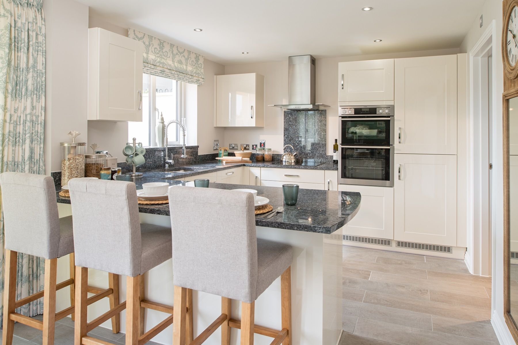 TW Exeter - Copleston Heights - Kennilworth example kitchen
